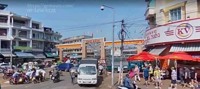Cho-Dam-Nha-Trang